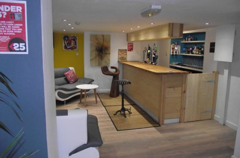 16 Bedroom Guest House Located In Newquay