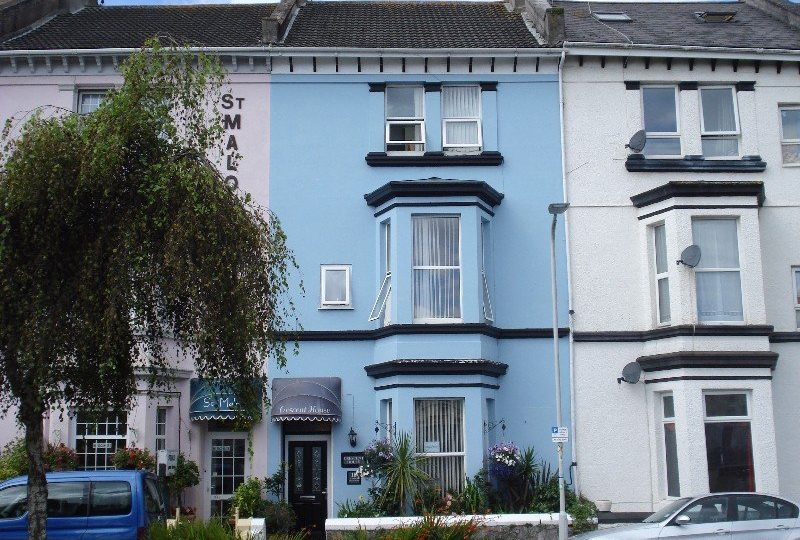 7 Bedroom Guest House In The Plymouth Hoe Area