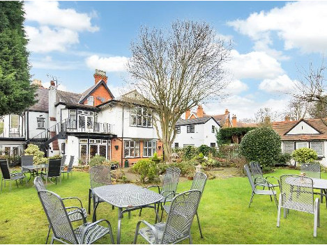 10 Bedroom Hotel with separate Owners accommodation, function room and Bar facilities